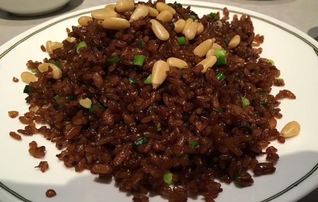 松の実と牛肉のたまり醤油チャーハン