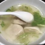 スープ餃子と半炒飯セット(850円)