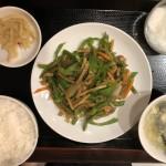 青椒肉絲(880円)